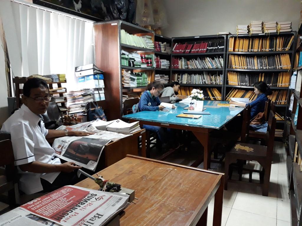 Ruang Baca Fakultas